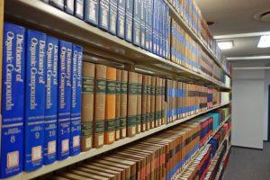 「本棚 多数」の画像検索結果
